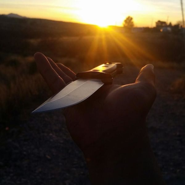 Benchmade - Benchmade carry and the Arizona sunset. #mybenchmade #benchmadeknives #benchmadegriptilian #benchmadearvensis #arizonasunset #knivesandnature #edc...